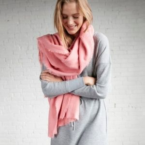 NWT EXPRESS Brushed Blanket Scarf in Pink